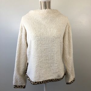⛄️Alice Blue Sherpa with Leopard Trim Pullover Top